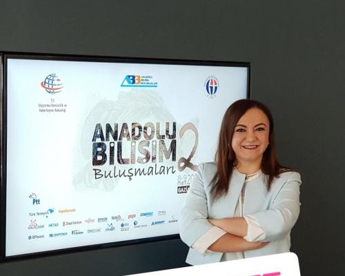 Bilişime kadın eli değdi- Haber Türk
