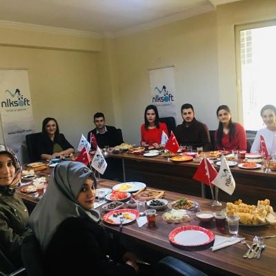 Gaziantep Üniversitesi Naci Topçuoğlu Meslek Yüksek Okulu öğrencileriyle kahvaltı